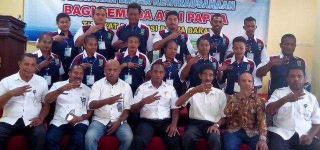 Pelatihan Kewirausahaan untuk Mendorong Kemandirian Ekonomi Pemuda Papua