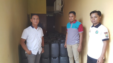 Polres Fakfak Tangkap Penyelundupan Miras Lokal 4 Ton Senilai Rp.205 Juta