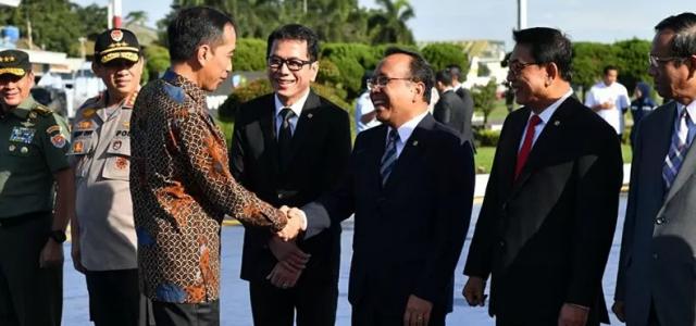 Presiden Jokowi Bertolak ke Abu Dhabi