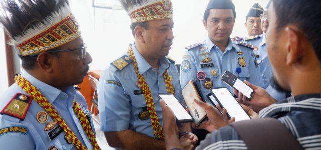 Staf Khusus Menteri Hukum dan HAM Apresiasi Pelayanan Kantor Imigrasi Manokwari