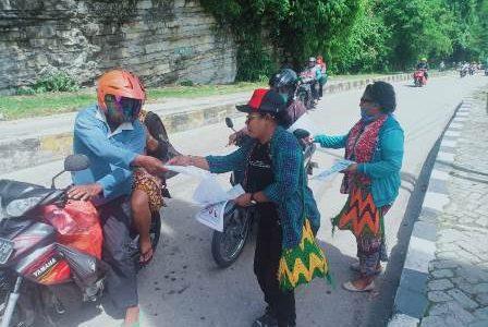 Tangkal Covid -19, FMFP Gandeng OKP dan Waket MRPB Turun Jalan Bagi Selebaran Bahaya Corona