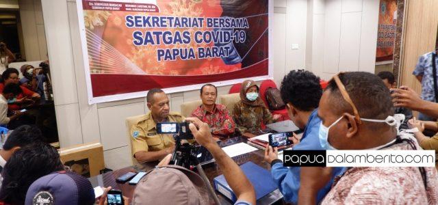 "Juru Bicara COVID-19:  Papua Barat Sudah Terima Baju ""Astronot"