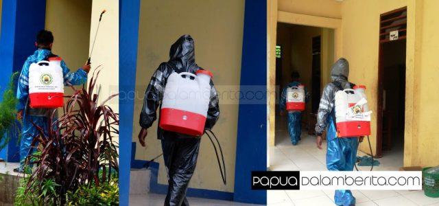 Satgas COVID-19 DMI Papua Barat Semprot 300 Liter Disinfektan ke Asrama Mahasiswa dan Pemukiman Warga