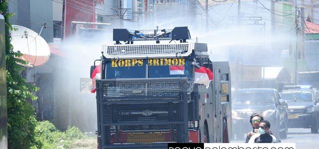 Polda Papua Barat Lakukan Penyemprotan  Massal Sepanjang Kota Manokwari