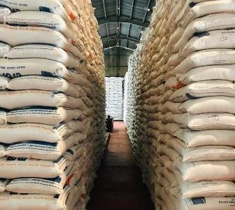 100 Ton Beras Tiba Fakfak, Kebutuhan Pangan Aman Sampai Juli, Gula Pasir dan Tepung Bertahan Hingga Juni
