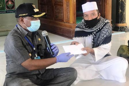 Pemda Bantu 58 Mesjid di Teluk Bintuni, Ini Pesan Bupati