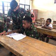 PAM Rahwan Raider 500/Sikatan Bantu Mengajar di Pedalaman Papua