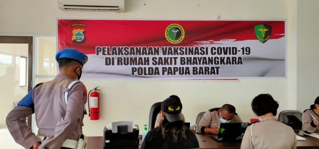 Sebelum Divaksinasi COVID-19, Anggota Polda Papua Barat Dscrening