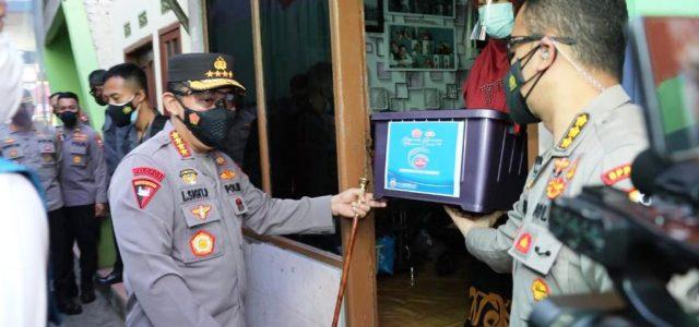 Kapolri Instruksikan Jajarannya Percepat Distribusi Bansos PPKM Darurat ke Warga