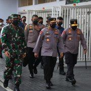 Panglima TNI dan Kapolri Tinjau Vaksinasi Massal di Gelora Bung Karno